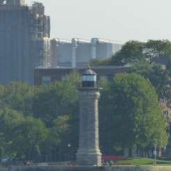 Blackwell Island Light, distance